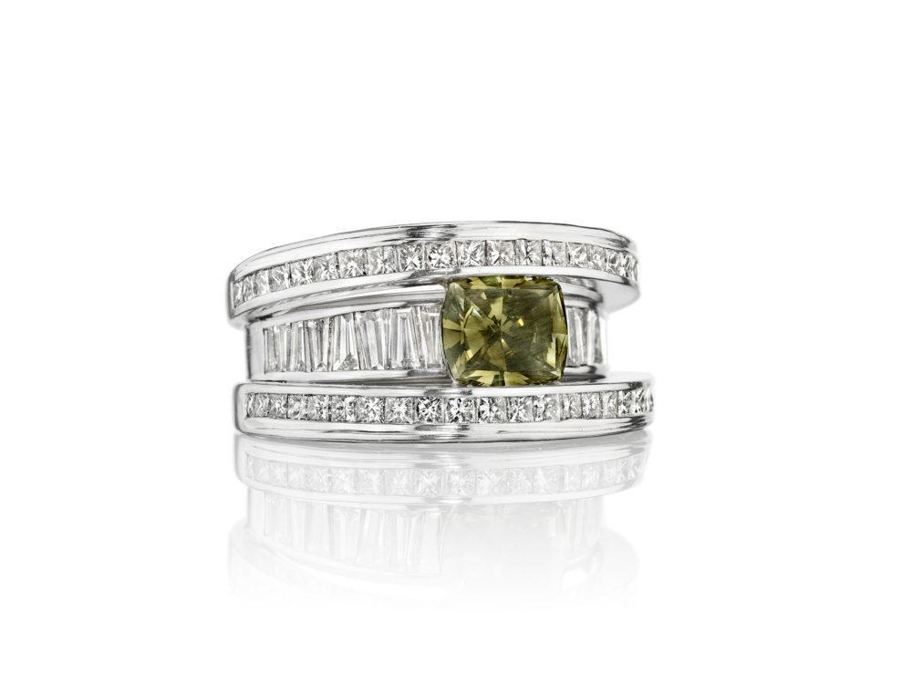 green-diamond-ring-high-end-jewelry-luxury-jewelry-hammerman-jewels